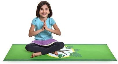 Barn i Yoga stilling hos Lilleyogahus